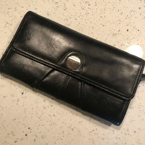 NWOT Kenneth Cole Leather Wallet